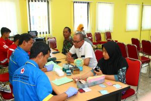 Peringati HUT ke 34 Bank Karanganyar Gelar Donor Darah